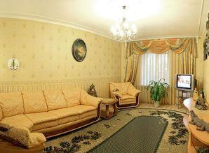 Large apartment with separate entrance in the center of the