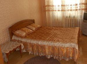 In the center of Boryspil day rent 3 bedroom apartment with
