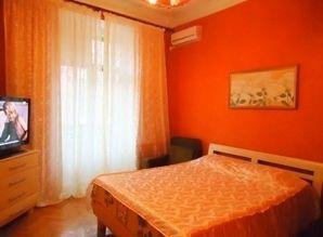 Cheap rent apartments 2-bedroom large Stalinka