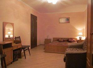 Very cozy, clean one-bedroom. apartment, pochasovo.Imeetsya