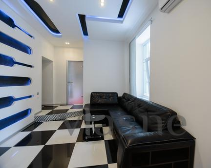 2-room VIP on Kostelnoy 15, Kyiv - apartment by the day