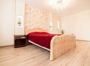 Stylish, cozy studio apartment in the center of the mound, s