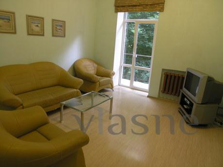 Daily its large three-room apartment: -with all furniture an