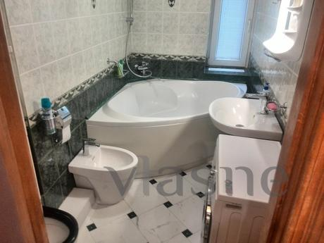 three room apartment, Kyiv - apartment by the day