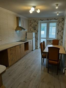 We offer you a cozy one-room apartment on Podil, near the ce