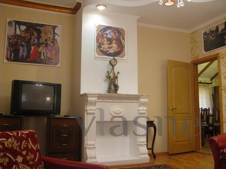 Apartment for rent shall be in the classical style (85 squar