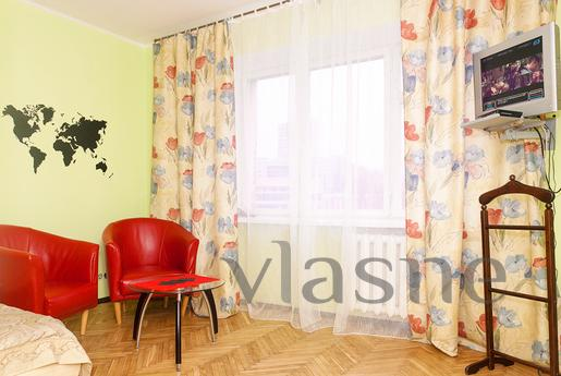 Centr._ Khreshchatyk - 500m, Kyiv - apartment by the day