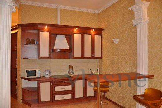 2 bedroom apartment to rent in Deribosov, Odessa - apartment by the day