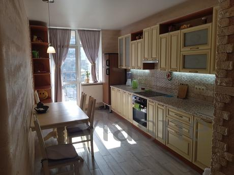 Lovely, clean and comfortable apartment with windows to the