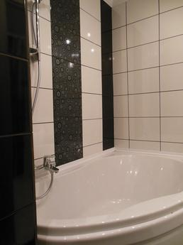 Centre 95 quarter, new renovation, large double bed, a bath,