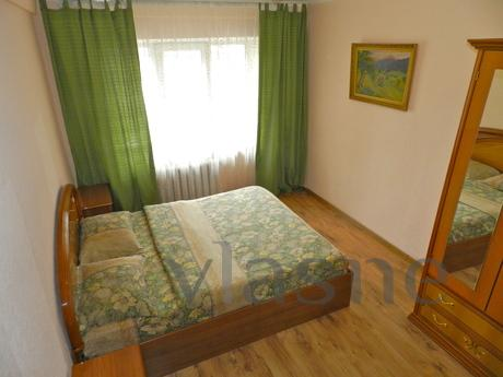 Big and cozy 3 bedroom apartment near the left bank meters (