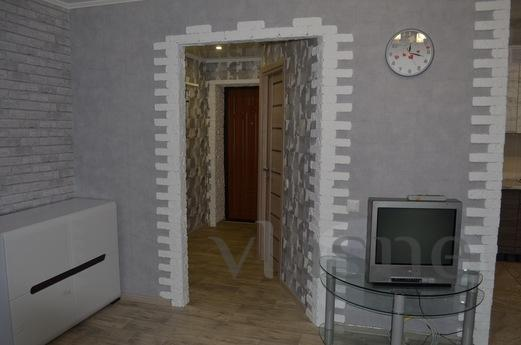 2 bedroom apartment on Kharitonov, Krivoy Rog - apartment by the day