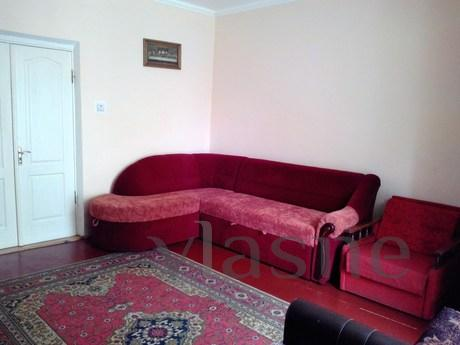 Private, two-storey house (4 bedrooms, 2 bathrooms, kitchen)