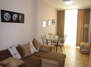 Brand new, convertible two bedroom apartment (accomadation 5