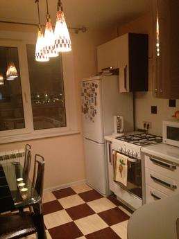 rent apartment renovated, Verkhnyaya Pyshma - apartment by the day