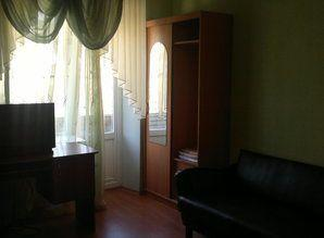 Cozy one bedroom apartment, 4-5spalnyh places located on gor